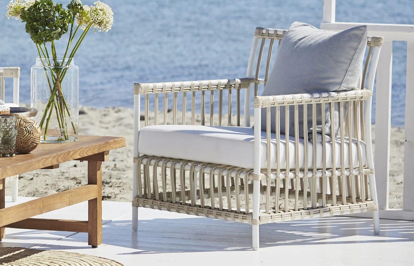 Caroline-Exterior-Lounge-Chair-Dove-White-LS1