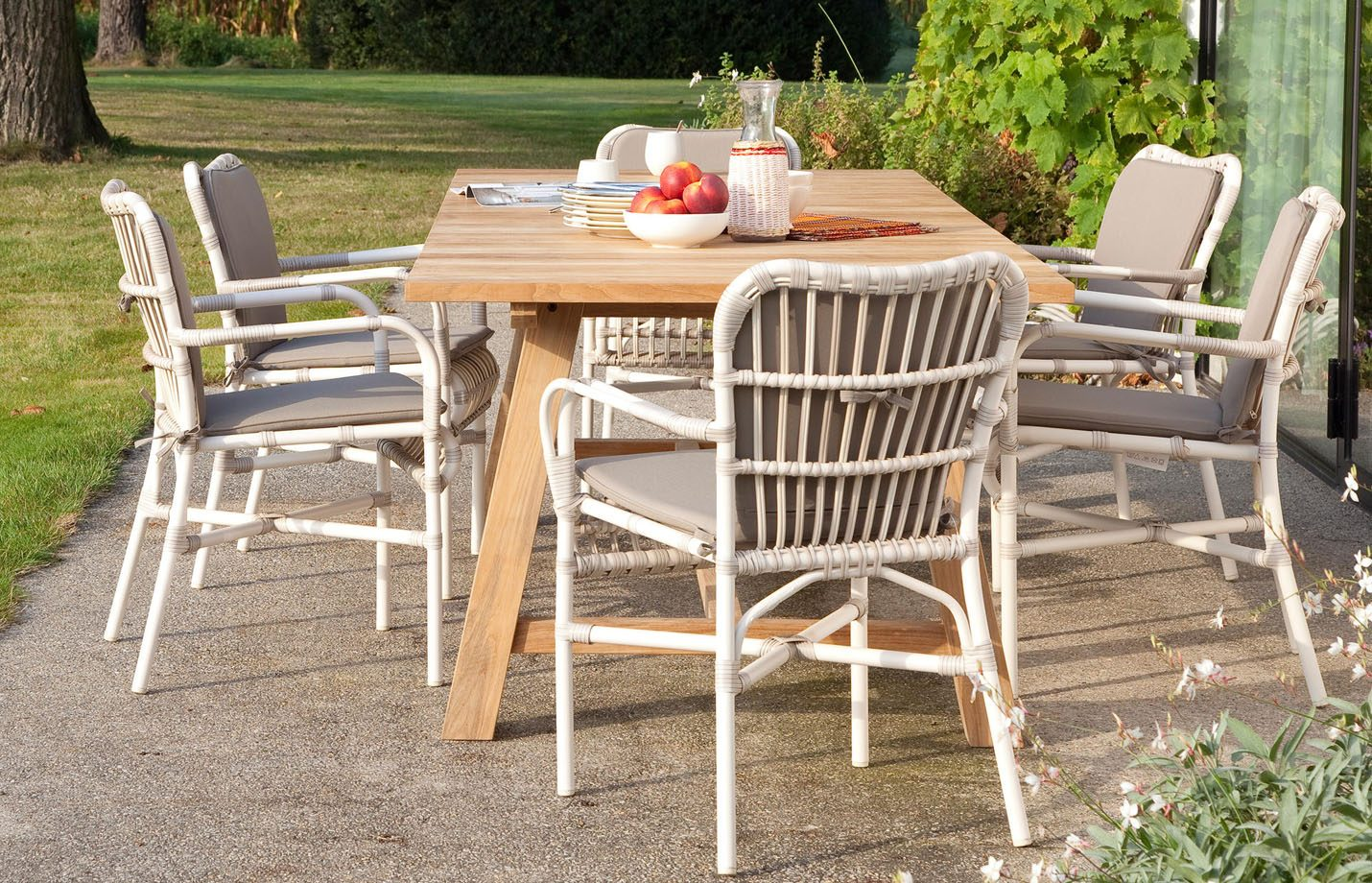 Lucy-dining-armchair-outdoor-LS01