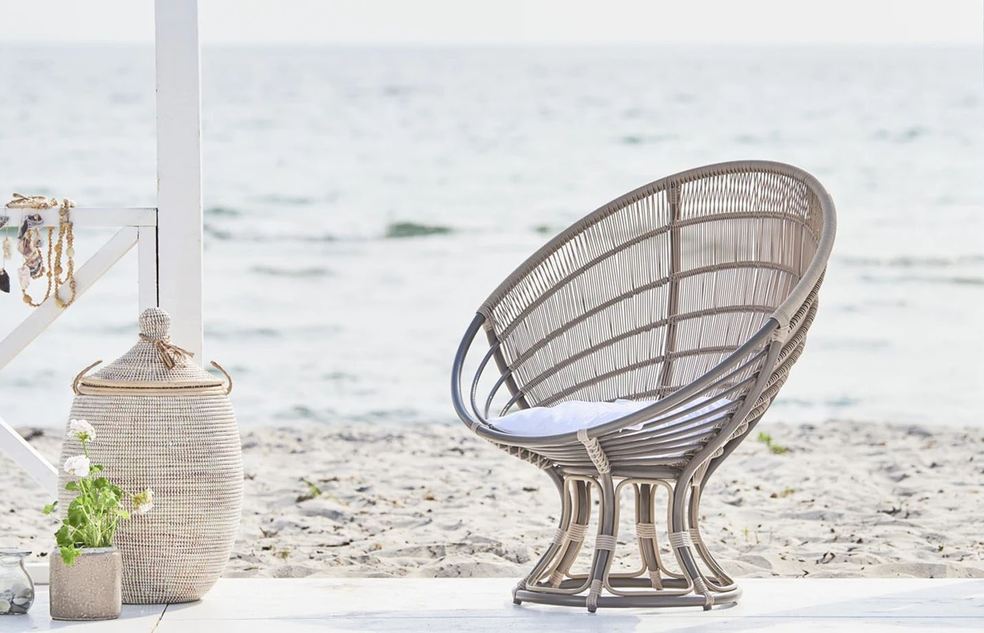 Luna-Exterior-Lounge-chair-Moccachino-LS1