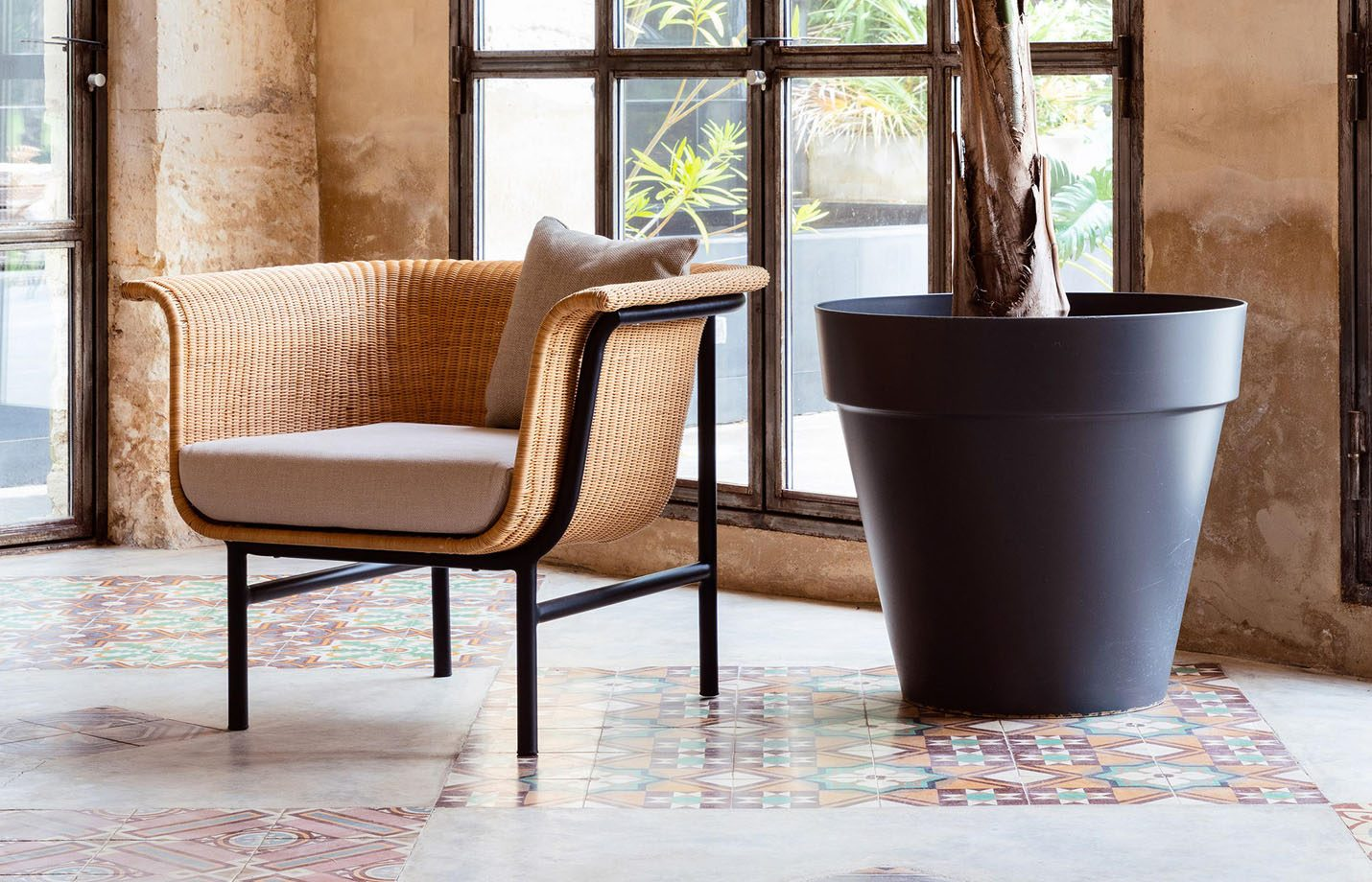 Wicked-rattan-lounge-chair-LS01
